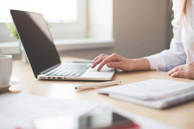 faire-appel-a-une-agence-web-les-avantages-pour-votre-entreprise-1 (1)